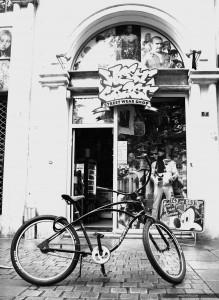 Bars, Enseignes, et Rues de Nantes, Naoned