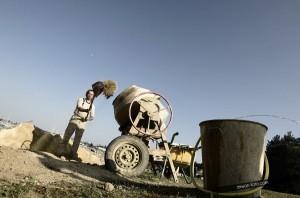 Chantier de pierre sèche face au port de Loctudy