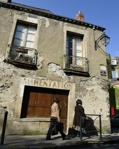 Streets of Nantes, south door to brittany